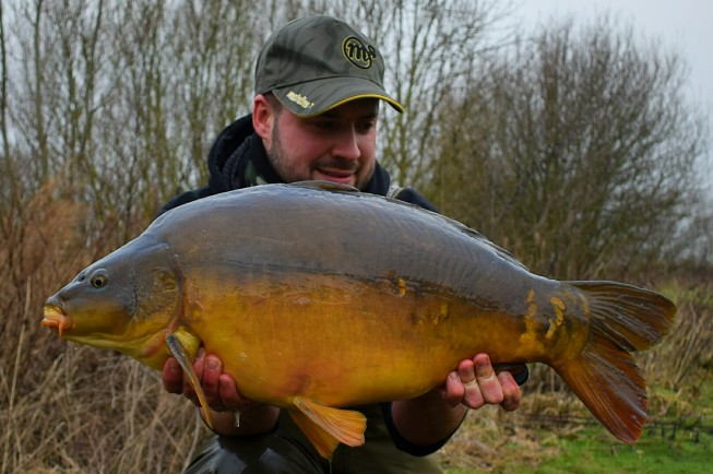 Stunning mirror in its full winter colours.