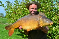 A chunky 33lb 10oz mirror for Dean Macey