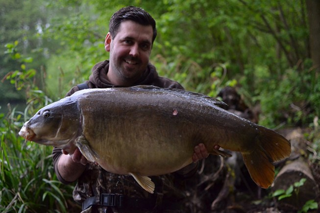 The awesome Grey Leather at 39lb 6oz for Lee Endersby