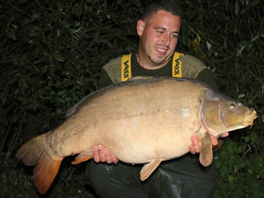 Lake News | Small Exclusive Carp Lakes in France at Jonchery 7 ...