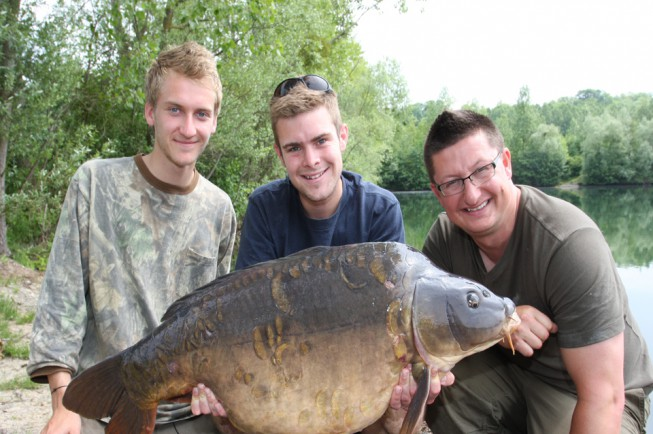 A lovely scaly mirror