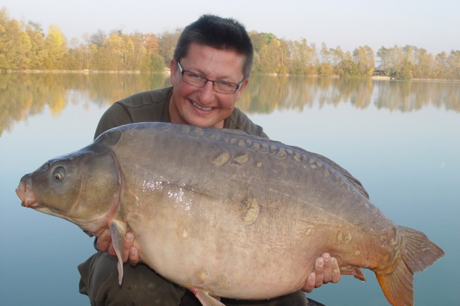 The incredible Singles Mate from Gigantica