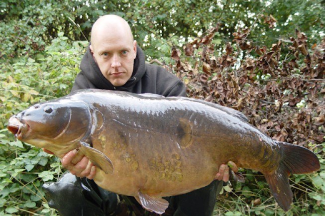 A corking upper-forty mirror from Oxfordshire