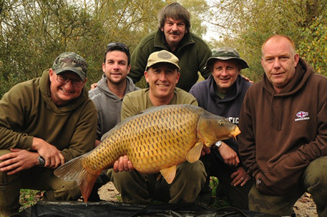 Elliott recently ventured over to the famous Gigantica Lake