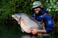 An ecstatic Warren cradles the big common