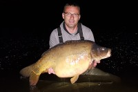 The huge mirror weighed 50lb 1oz