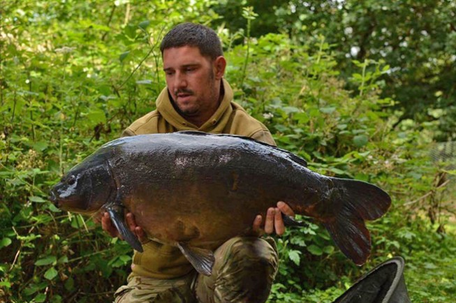 Fantastic looking Yateley mirror