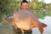 Danny Fairbrass with a big Gigantica mirror