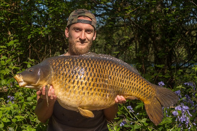 Around the World in 80 seconds - Dynamite Baits Netherlands
