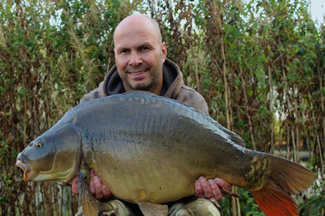 Four-Foot Mirror Banked - Dave Levy | News | Korda